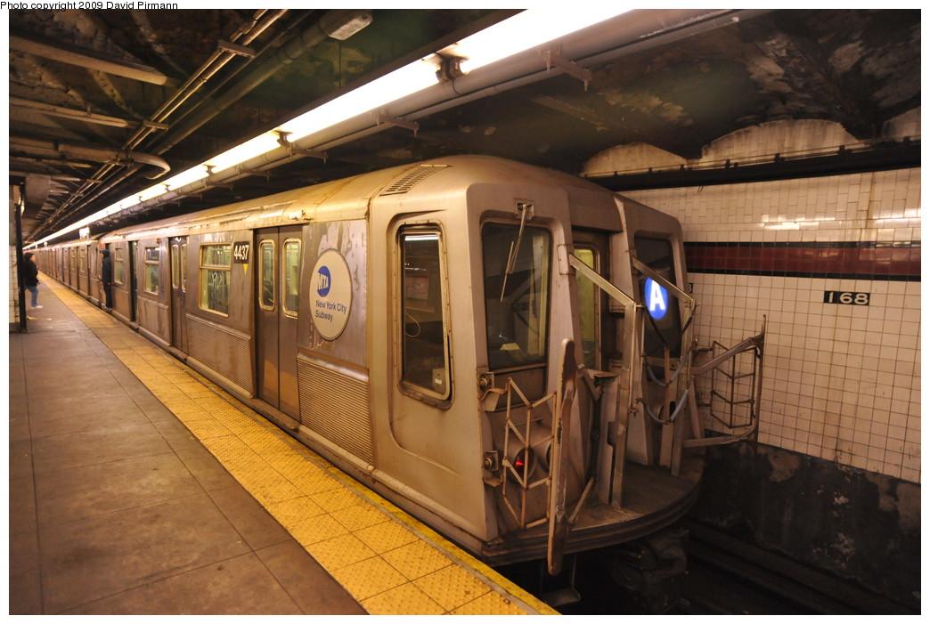 (265k, 1044x701)<br><b>Country:</b> United States<br><b>City:</b> New York<br><b>System:</b> New York City Transit<br><b>Line:</b> IND 8th Avenue Line<br><b>Location:</b> 168th Street <br><b>Route:</b> A<br><b>Car:</b> R-40 (St. Louis, 1968)  4437 <br><b>Photo by:</b> David Pirmann<br><b>Date:</b> 4/10/2009<br><b>Viewed (this week/total):</b> 4 / 1323