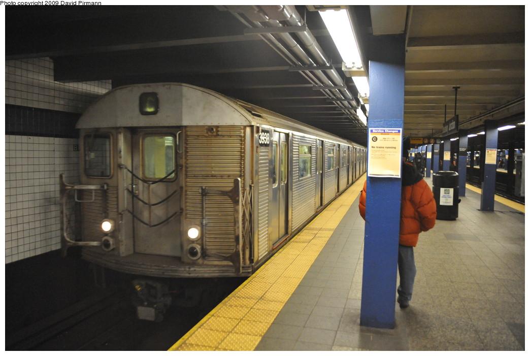 (238k, 1044x701)<br><b>Country:</b> United States<br><b>City:</b> New York<br><b>System:</b> New York City Transit<br><b>Line:</b> IND Fulton Street Line<br><b>Location:</b> Broadway/East New York (Broadway Junction) <br><b>Route:</b> C<br><b>Car:</b> R-32 (Budd, 1964)  3938 <br><b>Photo by:</b> David Pirmann<br><b>Date:</b> 4/10/2009<br><b>Viewed (this week/total):</b> 5 / 1466