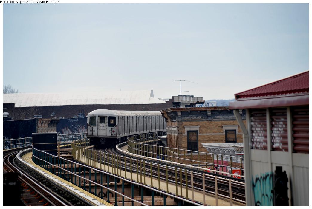 (215k, 1044x701)<br><b>Country:</b> United States<br><b>City:</b> New York<br><b>System:</b> New York City Transit<br><b>Line:</b> BMT Nassau Street/Jamaica Line<br><b>Location:</b> Woodhaven Boulevard <br><b>Route:</b> J<br><b>Car:</b> R-42 (St. Louis, 1969-1970)  4828 <br><b>Photo by:</b> David Pirmann<br><b>Date:</b> 4/10/2009<br><b>Viewed (this week/total):</b> 0 / 1380