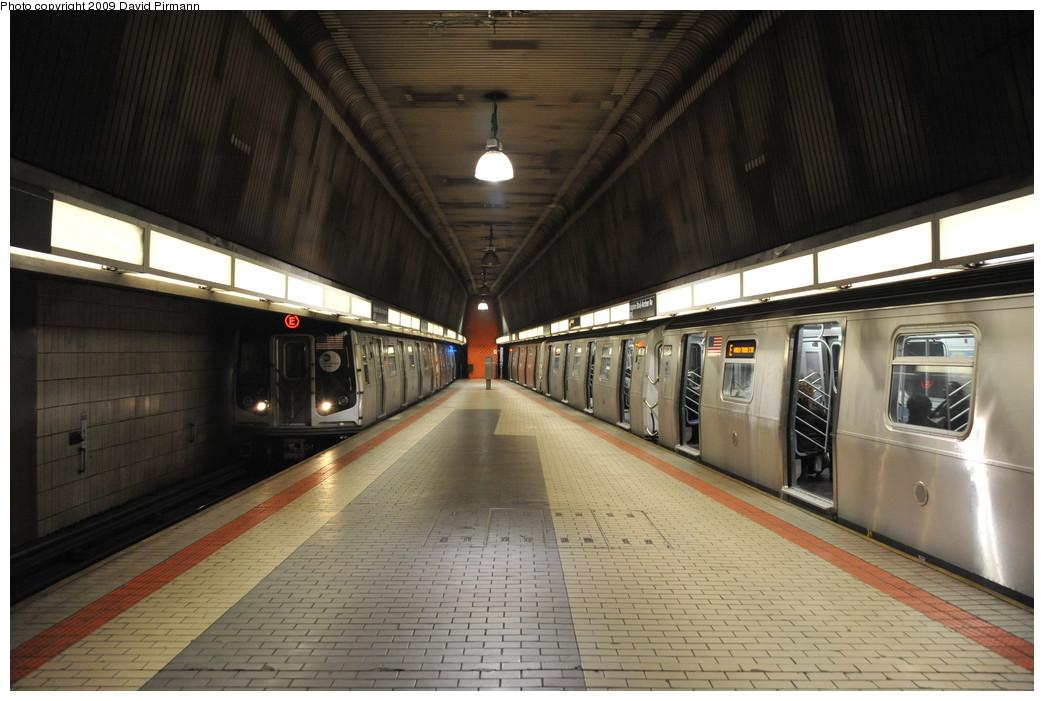(246k, 1044x701)<br><b>Country:</b> United States<br><b>City:</b> New York<br><b>System:</b> New York City Transit<br><b>Line:</b> IND Queens Boulevard Line<br><b>Location:</b> Sutphin Blvd.-Archer Ave./JFK <br><b>Route:</b> E<br><b>Car:</b> R-160A (Option 1) (Alstom, 2008-2009, 5 car sets)  9317/9320 <br><b>Photo by:</b> David Pirmann<br><b>Date:</b> 4/10/2009<br><b>Viewed (this week/total):</b> 0 / 1942