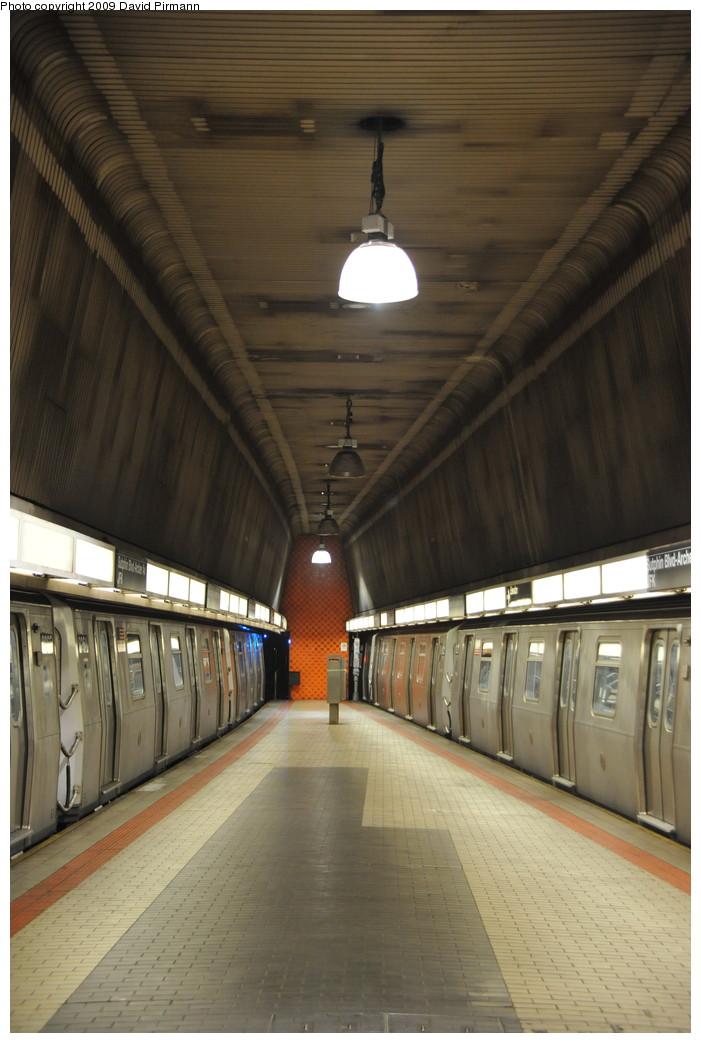 (230k, 701x1043)<br><b>Country:</b> United States<br><b>City:</b> New York<br><b>System:</b> New York City Transit<br><b>Line:</b> IND Queens Boulevard Line<br><b>Location:</b> Sutphin Blvd.-Archer Ave./JFK <br><b>Route:</b> E<br><b>Car:</b> R-160A (Option 1) (Alstom, 2008-2009, 5 car sets)  9264 <br><b>Photo by:</b> David Pirmann<br><b>Date:</b> 4/10/2009<br><b>Viewed (this week/total):</b> 0 / 1656