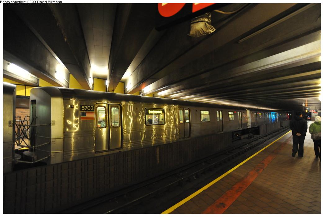 (229k, 1044x701)<br><b>Country:</b> United States<br><b>City:</b> New York<br><b>System:</b> New York City Transit<br><b>Line:</b> IND 63rd Street<br><b>Location:</b> 21st Street/Queensbridge <br><b>Route:</b> F<br><b>Car:</b> R-46 (Pullman-Standard, 1974-75) 5703 <br><b>Photo by:</b> David Pirmann<br><b>Date:</b> 4/10/2009<br><b>Viewed (this week/total):</b> 0 / 1993