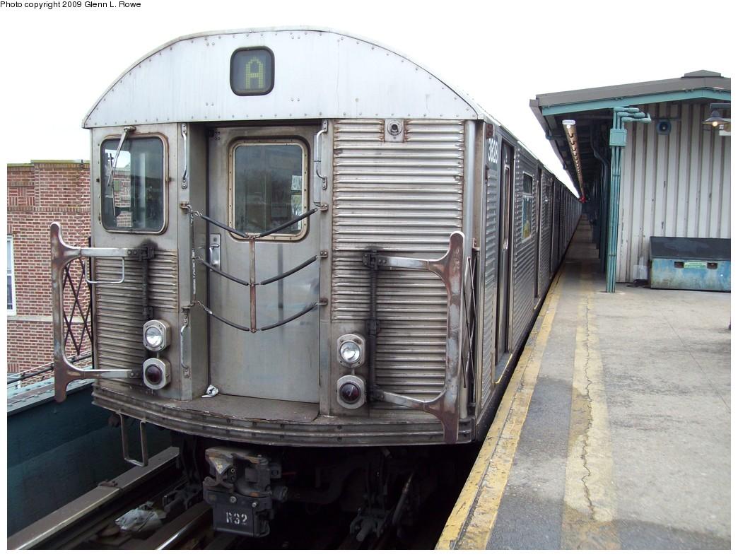 (223k, 1044x788)<br><b>Country:</b> United States<br><b>City:</b> New York<br><b>System:</b> New York City Transit<br><b>Line:</b> IND Fulton Street Line<br><b>Location:</b> Lefferts Boulevard <br><b>Route:</b> A<br><b>Car:</b> R-32 (Budd, 1964)  3828 <br><b>Photo by:</b> Glenn L. Rowe<br><b>Date:</b> 4/15/2009<br><b>Viewed (this week/total):</b> 0 / 899