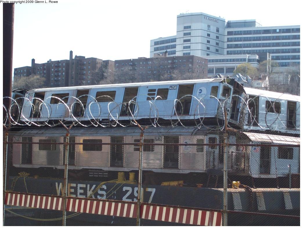 (274k, 1044x788)<br><b>Country:</b> United States<br><b>City:</b> New York<br><b>System:</b> New York City Transit<br><b>Location:</b> 207th Street Yard<br><b>Car:</b> R-38 (St. Louis, 1966-1967)  4058/3978 <br><b>Photo by:</b> Glenn L. Rowe<br><b>Date:</b> 4/16/2009<br><b>Notes:</b> Barge-Scrapping<br><b>Viewed (this week/total):</b> 0 / 1434