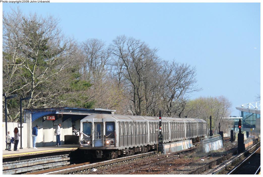 (316k, 1044x702)<br><b>Country:</b> United States<br><b>City:</b> New York<br><b>System:</b> New York City Transit<br><b>Line:</b> IND Rockaway<br><b>Location:</b> Aqueduct/North Conduit Avenue <br><b>Route:</b> A<br><b>Car:</b> R-40 (St. Louis, 1968)  4153 <br><b>Photo by:</b> John Urbanski<br><b>Date:</b> 4/16/2009<br><b>Viewed (this week/total):</b> 0 / 1145
