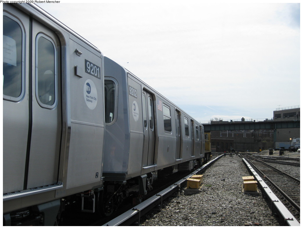 (175k, 1044x788)<br><b>Country:</b> United States<br><b>City:</b> New York<br><b>System:</b> New York City Transit<br><b>Location:</b> 207th Street Yard<br><b>Car:</b> R-160B (Option 1) (Kawasaki, 2008-2009)  9202 <br><b>Photo by:</b> Robert Mencher<br><b>Date:</b> 4/18/2009<br><b>Viewed (this week/total):</b> 0 / 641