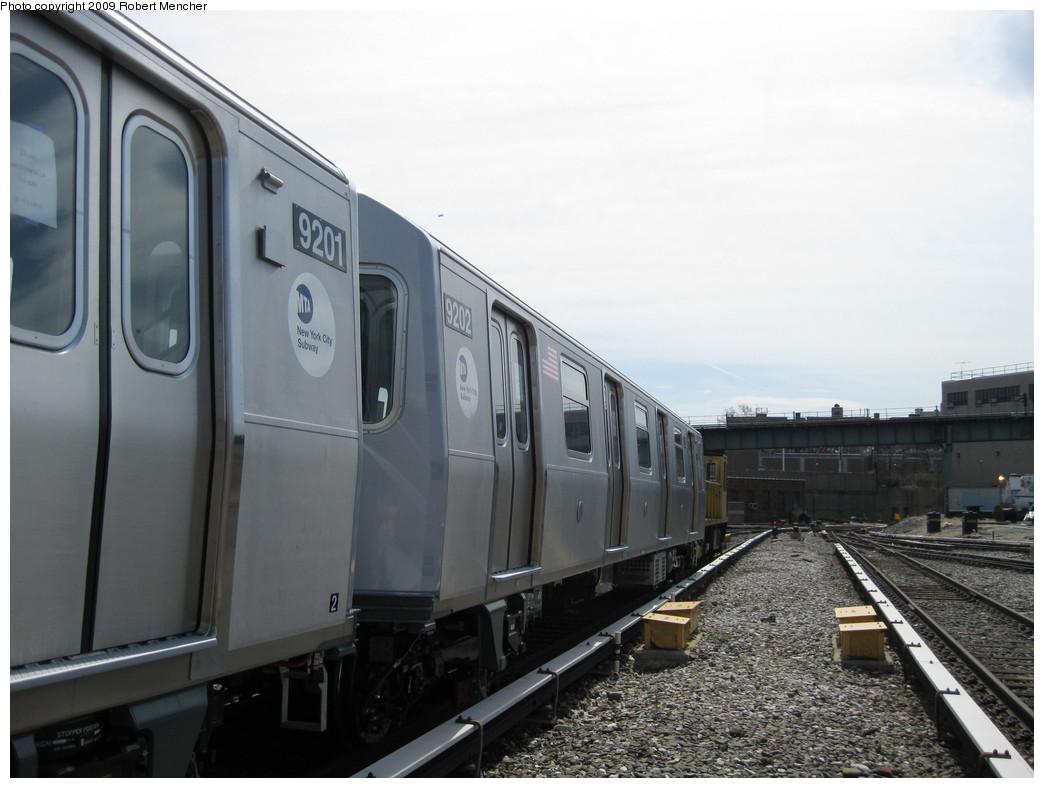 (175k, 1044x788)<br><b>Country:</b> United States<br><b>City:</b> New York<br><b>System:</b> New York City Transit<br><b>Location:</b> 207th Street Yard<br><b>Car:</b> R-160B (Option 1) (Kawasaki, 2008-2009)  9202 <br><b>Photo by:</b> Robert Mencher<br><b>Date:</b> 4/18/2009<br><b>Viewed (this week/total):</b> 1 / 626