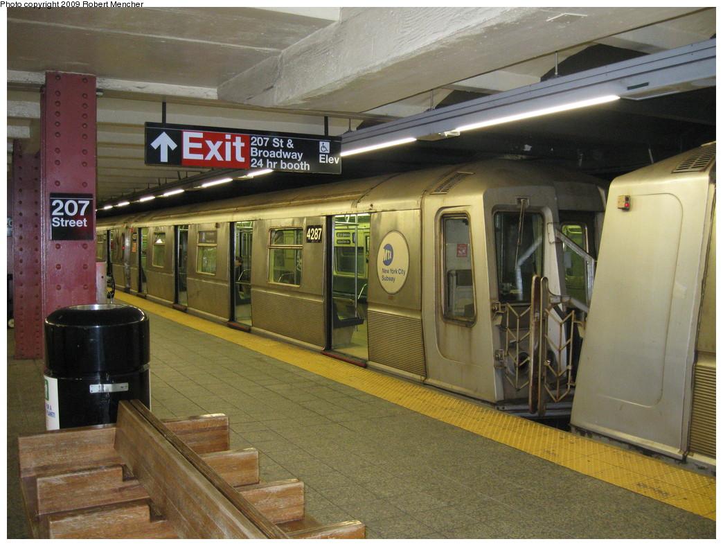 (249k, 1044x788)<br><b>Country:</b> United States<br><b>City:</b> New York<br><b>System:</b> New York City Transit<br><b>Line:</b> IND 8th Avenue Line<br><b>Location:</b> 207th Street <br><b>Route:</b> A<br><b>Car:</b> R-40 (St. Louis, 1968)  4287 <br><b>Photo by:</b> Robert Mencher<br><b>Date:</b> 4/18/2009<br><b>Viewed (this week/total):</b> 0 / 811