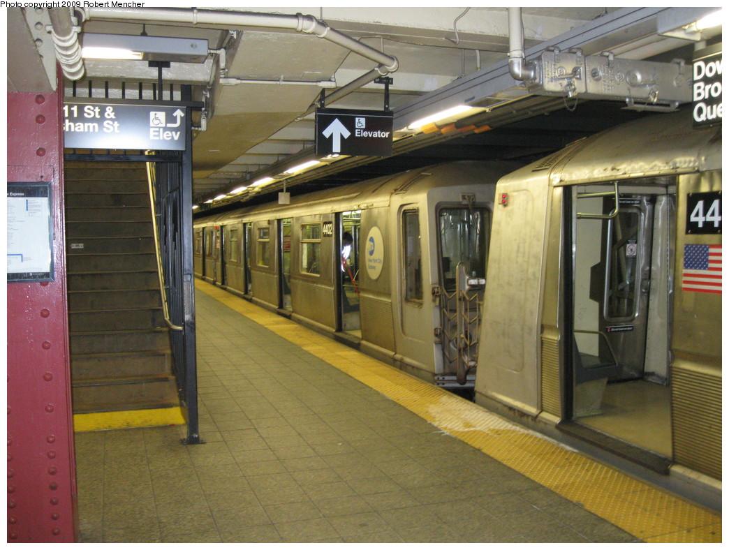 (242k, 1044x788)<br><b>Country:</b> United States<br><b>City:</b> New York<br><b>System:</b> New York City Transit<br><b>Line:</b> IND 8th Avenue Line<br><b>Location:</b> 207th Street <br><b>Route:</b> A<br><b>Car:</b> R-40 (St. Louis, 1968)  4402 <br><b>Photo by:</b> Robert Mencher<br><b>Date:</b> 4/18/2009<br><b>Viewed (this week/total):</b> 1 / 845