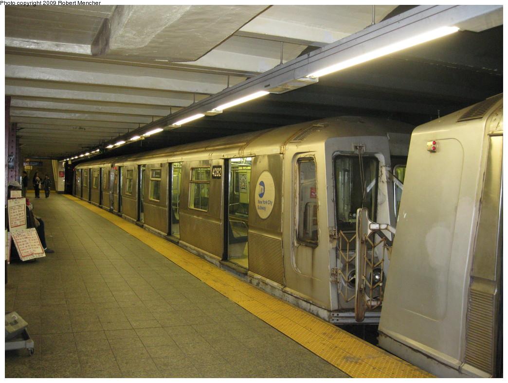 (237k, 1044x788)<br><b>Country:</b> United States<br><b>City:</b> New York<br><b>System:</b> New York City Transit<br><b>Line:</b> IND 8th Avenue Line<br><b>Location:</b> 207th Street <br><b>Route:</b> A<br><b>Car:</b> R-40 (St. Louis, 1968)  4282 <br><b>Photo by:</b> Robert Mencher<br><b>Date:</b> 4/18/2009<br><b>Viewed (this week/total):</b> 1 / 658