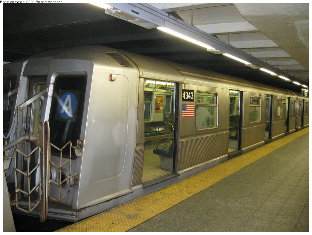 (234k, 1044x788)<br><b>Country:</b> United States<br><b>City:</b> New York<br><b>System:</b> New York City Transit<br><b>Line:</b> IND 8th Avenue Line<br><b>Location:</b> 207th Street <br><b>Route:</b> A<br><b>Car:</b> R-40 (St. Louis, 1968)  4343 <br><b>Photo by:</b> Robert Mencher<br><b>Date:</b> 4/18/2009<br><b>Viewed (this week/total):</b> 0 / 711