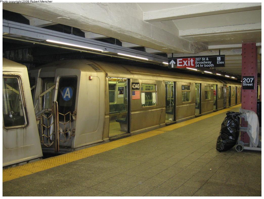 (242k, 1044x788)<br><b>Country:</b> United States<br><b>City:</b> New York<br><b>System:</b> New York City Transit<br><b>Line:</b> IND 8th Avenue Line<br><b>Location:</b> 207th Street <br><b>Route:</b> A<br><b>Car:</b> R-40 (St. Louis, 1968)  4346 <br><b>Photo by:</b> Robert Mencher<br><b>Date:</b> 4/18/2009<br><b>Viewed (this week/total):</b> 0 / 754