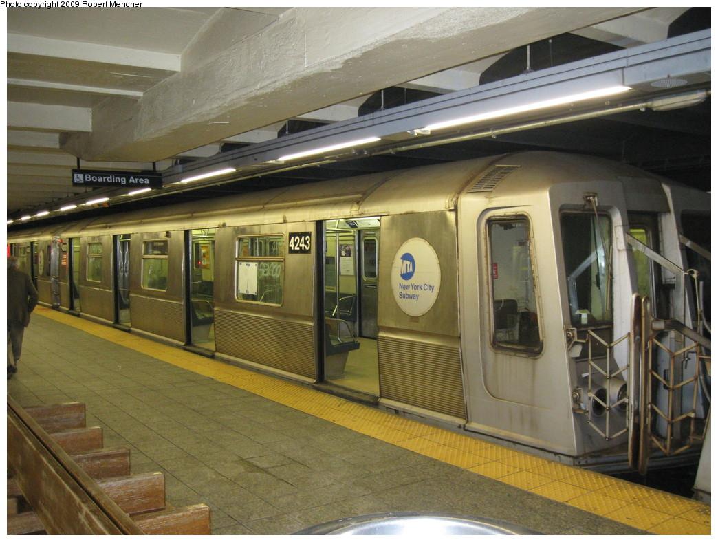 (240k, 1044x788)<br><b>Country:</b> United States<br><b>City:</b> New York<br><b>System:</b> New York City Transit<br><b>Line:</b> IND 8th Avenue Line<br><b>Location:</b> 207th Street <br><b>Route:</b> A<br><b>Car:</b> R-40 (St. Louis, 1968)  4243 <br><b>Photo by:</b> Robert Mencher<br><b>Date:</b> 4/18/2009<br><b>Viewed (this week/total):</b> 1 / 763
