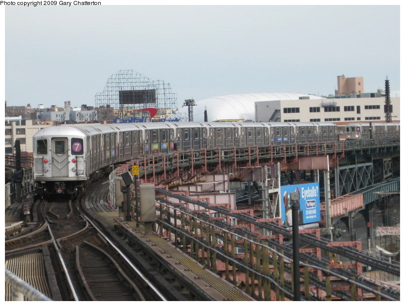 (143k, 820x620)<br><b>Country:</b> United States<br><b>City:</b> New York<br><b>System:</b> New York City Transit<br><b>Line:</b> IRT Flushing Line<br><b>Location:</b> Queensborough Plaza <br><b>Route:</b> 7<br><b>Car:</b> R-62A (Bombardier, 1984-1987)  1821 <br><b>Photo by:</b> Gary Chatterton<br><b>Date:</b> 4/15/2009<br><b>Viewed (this week/total):</b> 0 / 1412