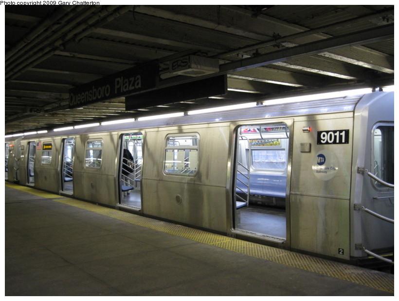 (124k, 820x620)<br><b>Country:</b> United States<br><b>City:</b> New York<br><b>System:</b> New York City Transit<br><b>Line:</b> BMT Astoria Line<br><b>Location:</b> Queensborough Plaza <br><b>Route:</b> W<br><b>Car:</b> R-160B (Option 1) (Kawasaki, 2008-2009)  9011 <br><b>Photo by:</b> Gary Chatterton<br><b>Date:</b> 3/14/2009<br><b>Viewed (this week/total):</b> 0 / 1814