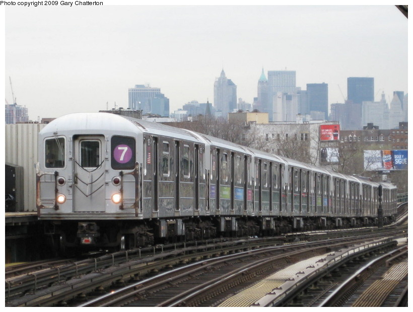 (124k, 820x620)<br><b>Country:</b> United States<br><b>City:</b> New York<br><b>System:</b> New York City Transit<br><b>Line:</b> IRT Flushing Line<br><b>Location:</b> 52nd Street/Lincoln Avenue <br><b>Route:</b> 7<br><b>Car:</b> R-62A (Bombardier, 1984-1987)  1975 <br><b>Photo by:</b> Gary Chatterton<br><b>Date:</b> 4/15/2009<br><b>Viewed (this week/total):</b> 0 / 1165