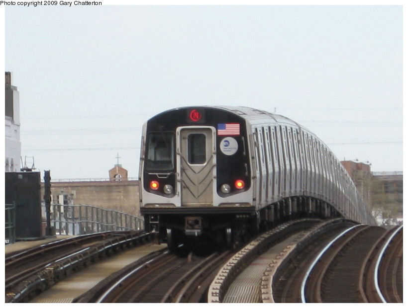 (95k, 820x620)<br><b>Country:</b> United States<br><b>City:</b> New York<br><b>System:</b> New York City Transit<br><b>Line:</b> BMT Astoria Line<br><b>Location:</b> 30th/Grand Aves. <br><b>Route:</b> N<br><b>Car:</b> R-160B (Kawasaki, 2005-2008)  8737 <br><b>Photo by:</b> Gary Chatterton<br><b>Date:</b> 4/15/2009<br><b>Viewed (this week/total):</b> 1 / 1380