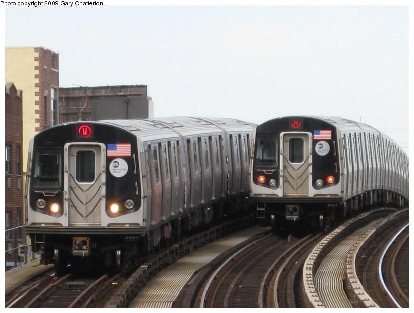 (112k, 820x620)<br><b>Country:</b> United States<br><b>City:</b> New York<br><b>System:</b> New York City Transit<br><b>Line:</b> BMT Astoria Line<br><b>Location:</b> 30th/Grand Aves. <br><b>Route:</b> W<br><b>Car:</b> R-160B (Option 1) (Kawasaki, 2008-2009)  9067 <br><b>Photo by:</b> Gary Chatterton<br><b>Date:</b> 4/15/2009<br><b>Viewed (this week/total):</b> 0 / 1745