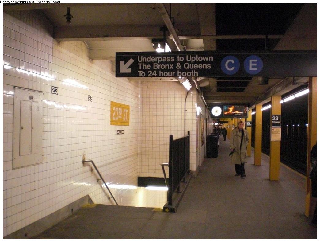 (242k, 1044x788)<br><b>Country:</b> United States<br><b>City:</b> New York<br><b>System:</b> New York City Transit<br><b>Line:</b> IND 8th Avenue Line<br><b>Location:</b> 23rd Street <br><b>Photo by:</b> Roberto C. Tobar<br><b>Date:</b> 4/15/2009<br><b>Notes:</b> Platform view including underpass.<br><b>Viewed (this week/total):</b> 2 / 1523