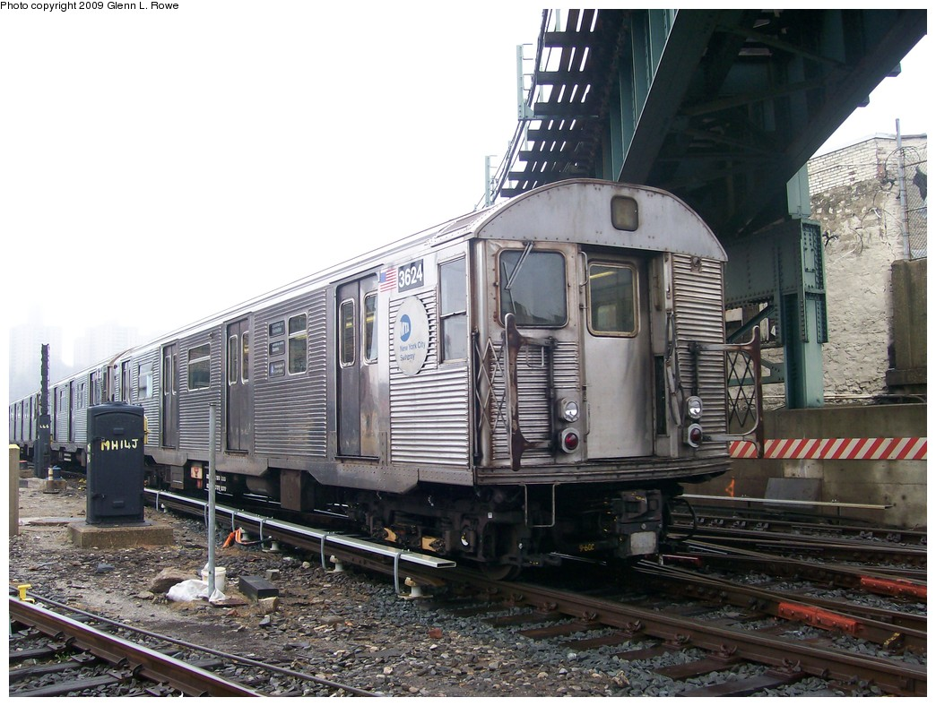 (230k, 1044x788)<br><b>Country:</b> United States<br><b>City:</b> New York<br><b>System:</b> New York City Transit<br><b>Location:</b> 207th Street Yard<br><b>Car:</b> R-32 (Budd, 1964)  3624 <br><b>Photo by:</b> Glenn L. Rowe<br><b>Date:</b> 4/21/2009<br><b>Viewed (this week/total):</b> 0 / 1376