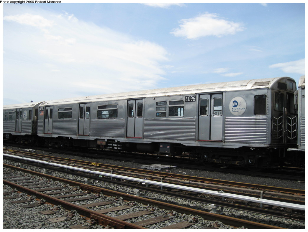 (215k, 1044x788)<br><b>Country:</b> United States<br><b>City:</b> New York<br><b>System:</b> New York City Transit<br><b>Location:</b> 207th Street Yard<br><b>Car:</b> R-38 (St. Louis, 1966-1967)  4096 <br><b>Photo by:</b> Robert Mencher<br><b>Date:</b> 4/18/2009<br><b>Viewed (this week/total):</b> 0 / 795