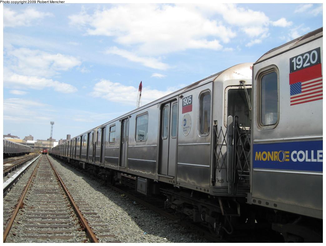 (205k, 1044x788)<br><b>Country:</b> United States<br><b>City:</b> New York<br><b>System:</b> New York City Transit<br><b>Location:</b> 207th Street Yard<br><b>Car:</b> R-62A (Bombardier, 1984-1987)  1905 <br><b>Photo by:</b> Robert Mencher<br><b>Date:</b> 4/18/2009<br><b>Viewed (this week/total):</b> 2 / 830