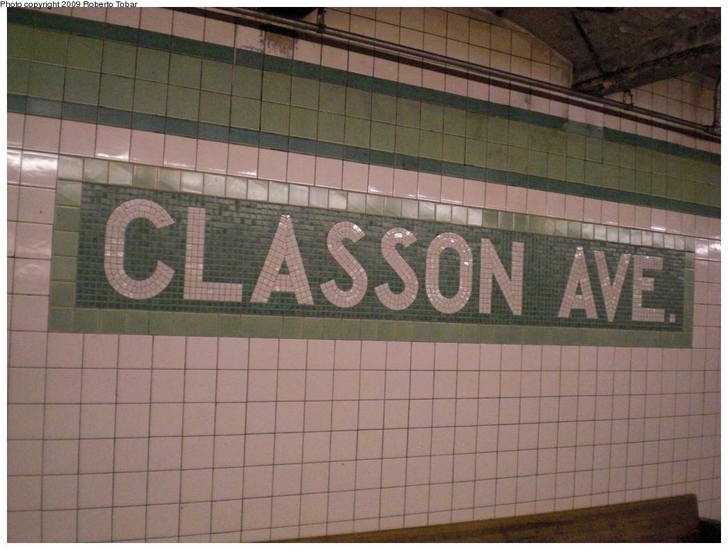 (241k, 1044x788)<br><b>Country:</b> United States<br><b>City:</b> New York<br><b>System:</b> New York City Transit<br><b>Line:</b> IND Crosstown Line<br><b>Location:</b> Classon Avenue <br><b>Photo by:</b> Roberto C. Tobar<br><b>Date:</b> 4/25/2009<br><b>Notes:</b> Mosaic name tile.<br><b>Viewed (this week/total):</b> 1 / 1441