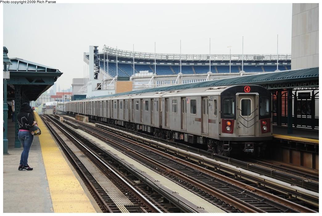 (196k, 1044x701)<br><b>Country:</b> United States<br><b>City:</b> New York<br><b>System:</b> New York City Transit<br><b>Line:</b> IRT Woodlawn Line<br><b>Location:</b> 161st Street/River Avenue (Yankee Stadium) <br><b>Route:</b> 4<br><b>Car:</b> R-142 (Option Order, Bombardier, 2002-2003)  1175 <br><b>Photo by:</b> Richard Panse<br><b>Date:</b> 4/22/2009<br><b>Viewed (this week/total):</b> 0 / 1793