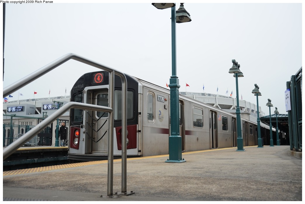 (138k, 1044x701)<br><b>Country:</b> United States<br><b>City:</b> New York<br><b>System:</b> New York City Transit<br><b>Line:</b> IRT Woodlawn Line<br><b>Location:</b> 161st Street/River Avenue (Yankee Stadium) <br><b>Route:</b> 4<br><b>Car:</b> R-142A (Supplemental Order, Kawasaki, 2003-2004)  7776 <br><b>Photo by:</b> Richard Panse<br><b>Date:</b> 4/22/2009<br><b>Viewed (this week/total):</b> 0 / 1253