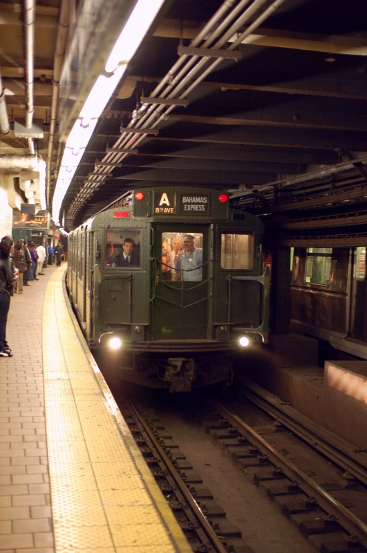 (167k, 531x800)<br><b>Country:</b> United States<br><b>City:</b> New York<br><b>System:</b> New York City Transit<br><b>Line:</b> IND 8th Avenue Line<br><b>Location:</b> 125th Street <br><b>Route:</b> Museum Train Service (A)<br><b>Car:</b> R-1 (American Car & Foundry, 1930-1931) 100 <br><b>Photo by:</b> Brian Weinberg<br><b>Date:</b> 4/29/2009<br><b>Notes:</b> Museum train chartered by Jet Blue and the nation of the Bahamas for Duke Ellington Day.<br><b>Viewed (this week/total):</b> 1 / 1931