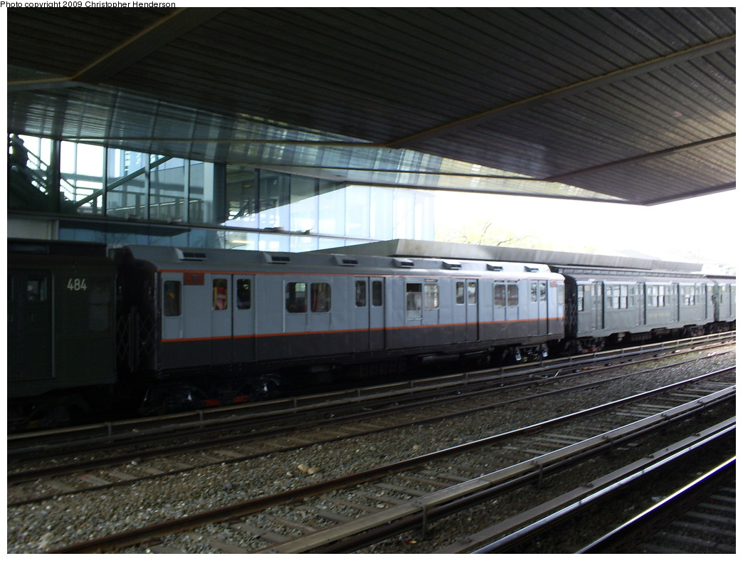 (244k, 1044x788)<br><b>Country:</b> United States<br><b>City:</b> New York<br><b>System:</b> New York City Transit<br><b>Line:</b> IND Rockaway<br><b>Location:</b> Howard Beach <br><b>Route:</b> Museum Train Service (A)<br><b>Car:</b> R-7A (Pullman, 1938)  1575 <br><b>Photo by:</b> Christopher Henderson<br><b>Date:</b> 4/29/2009<br><b>Notes:</b> Duke Ellington Day promotion by Jet Blue & the Bahamas.<br><b>Viewed (this week/total):</b> 2 / 1662