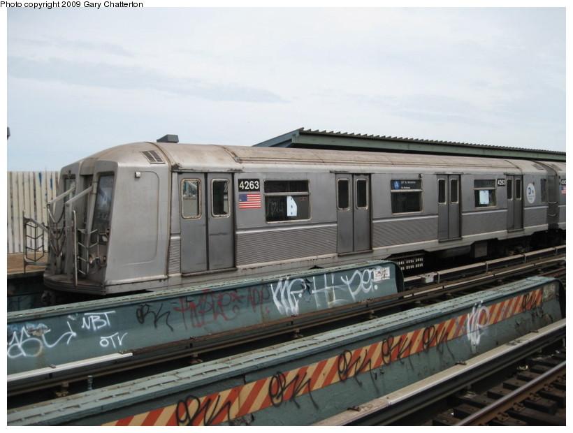 (120k, 820x620)<br><b>Country:</b> United States<br><b>City:</b> New York<br><b>System:</b> New York City Transit<br><b>Line:</b> IND Fulton Street Line<br><b>Location:</b> 80th Street/Hudson Street <br><b>Route:</b> A<br><b>Car:</b> R-40 (St. Louis, 1968)  4263 <br><b>Photo by:</b> Gary Chatterton<br><b>Date:</b> 4/29/2009<br><b>Viewed (this week/total):</b> 0 / 988