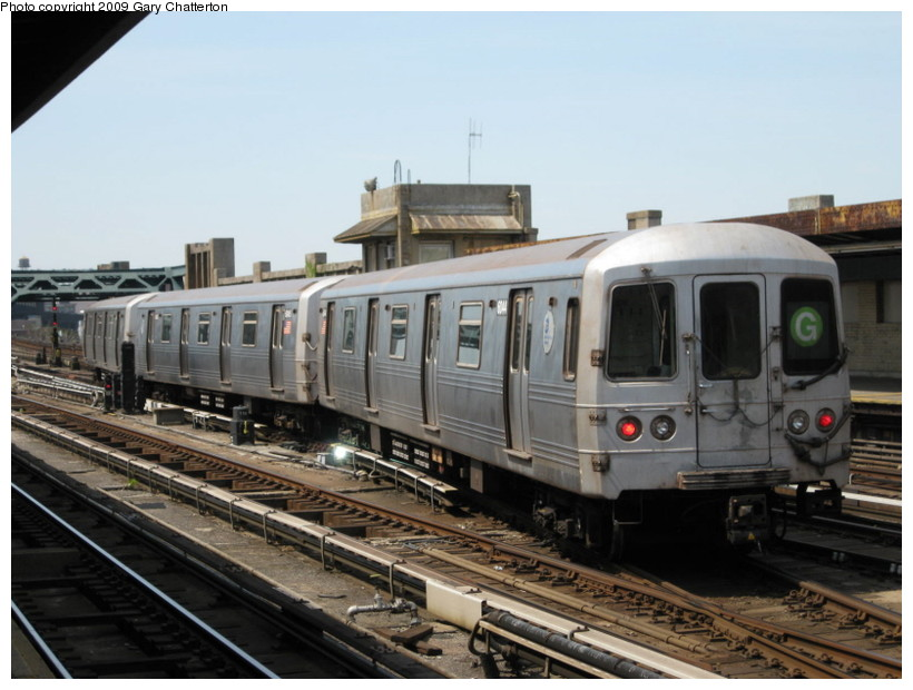 (124k, 820x620)<br><b>Country:</b> United States<br><b>City:</b> New York<br><b>System:</b> New York City Transit<br><b>Line:</b> IND Crosstown Line<br><b>Location:</b> 4th Avenue <br><b>Route:</b> G<br><b>Car:</b> R-46 (Pullman-Standard, 1974-75) 6044 <br><b>Photo by:</b> Gary Chatterton<br><b>Date:</b> 4/28/2009<br><b>Viewed (this week/total):</b> 0 / 1294