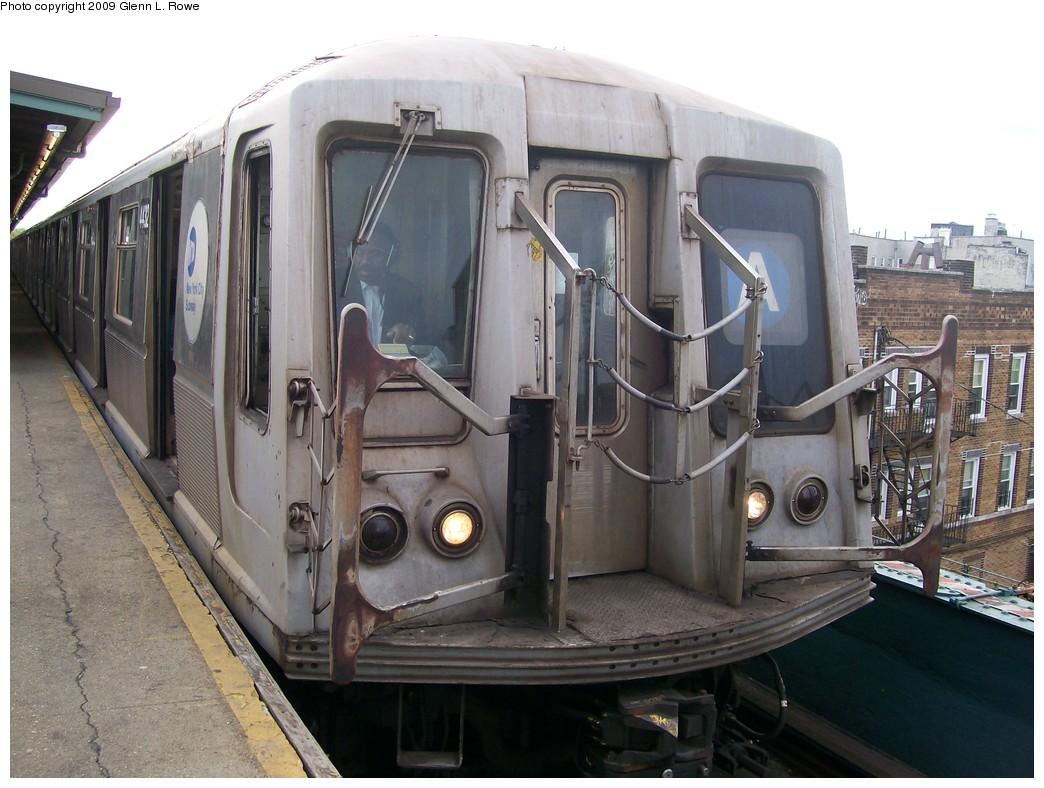 (204k, 1044x788)<br><b>Country:</b> United States<br><b>City:</b> New York<br><b>System:</b> New York City Transit<br><b>Line:</b> IND Fulton Street Line<br><b>Location:</b> Lefferts Boulevard <br><b>Route:</b> A<br><b>Car:</b> R-40 (St. Louis, 1968)  4432 <br><b>Photo by:</b> Glenn L. Rowe<br><b>Date:</b> 4/29/2009<br><b>Viewed (this week/total):</b> 1 / 1019