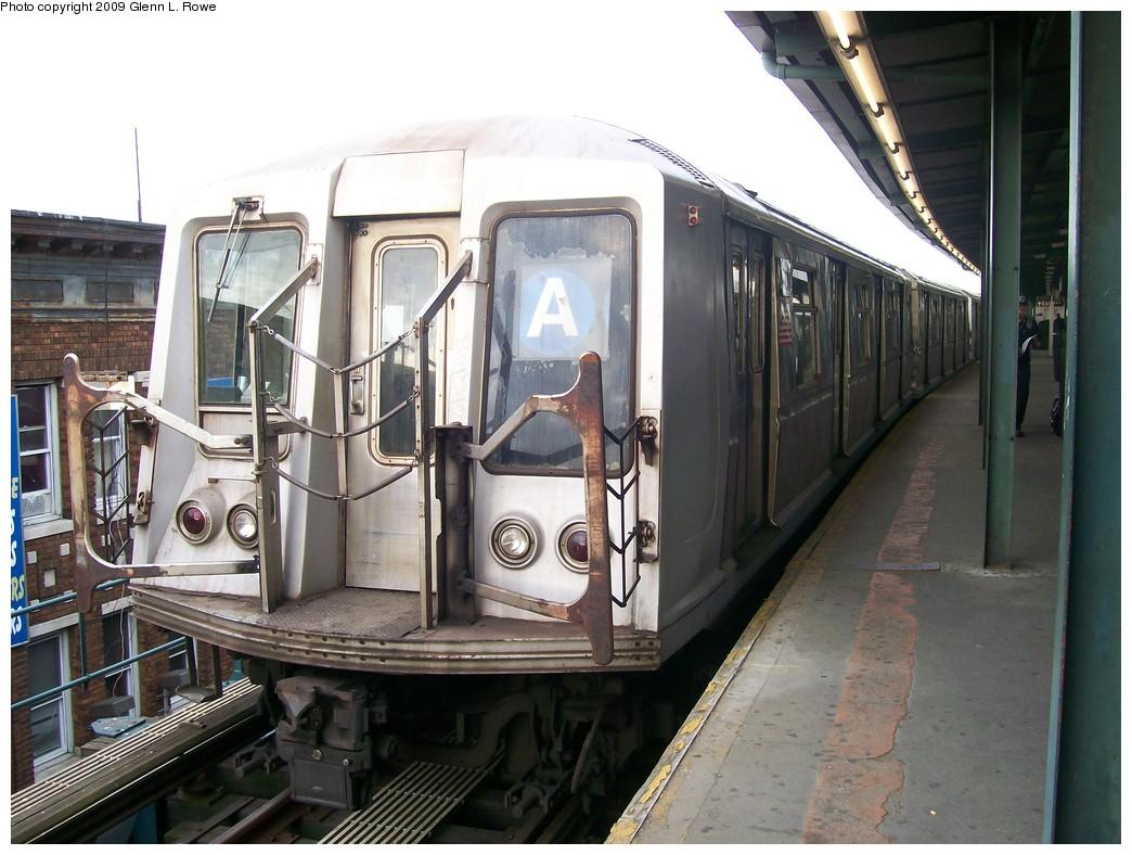 (207k, 1044x788)<br><b>Country:</b> United States<br><b>City:</b> New York<br><b>System:</b> New York City Transit<br><b>Line:</b> IND Fulton Street Line<br><b>Location:</b> Lefferts Boulevard <br><b>Route:</b> A<br><b>Car:</b> R-40 (St. Louis, 1968)  4251 <br><b>Photo by:</b> Glenn L. Rowe<br><b>Date:</b> 4/30/2009<br><b>Viewed (this week/total):</b> 0 / 820