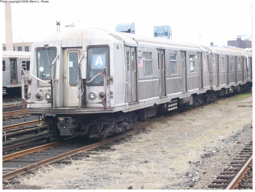(215k, 1044x788)<br><b>Country:</b> United States<br><b>City:</b> New York<br><b>System:</b> New York City Transit<br><b>Location:</b> 207th Street Yard<br><b>Car:</b> R-40 (St. Louis, 1968)  4267 <br><b>Photo by:</b> Glenn L. Rowe<br><b>Date:</b> 5/6/2009<br><b>Viewed (this week/total):</b> 1 / 950