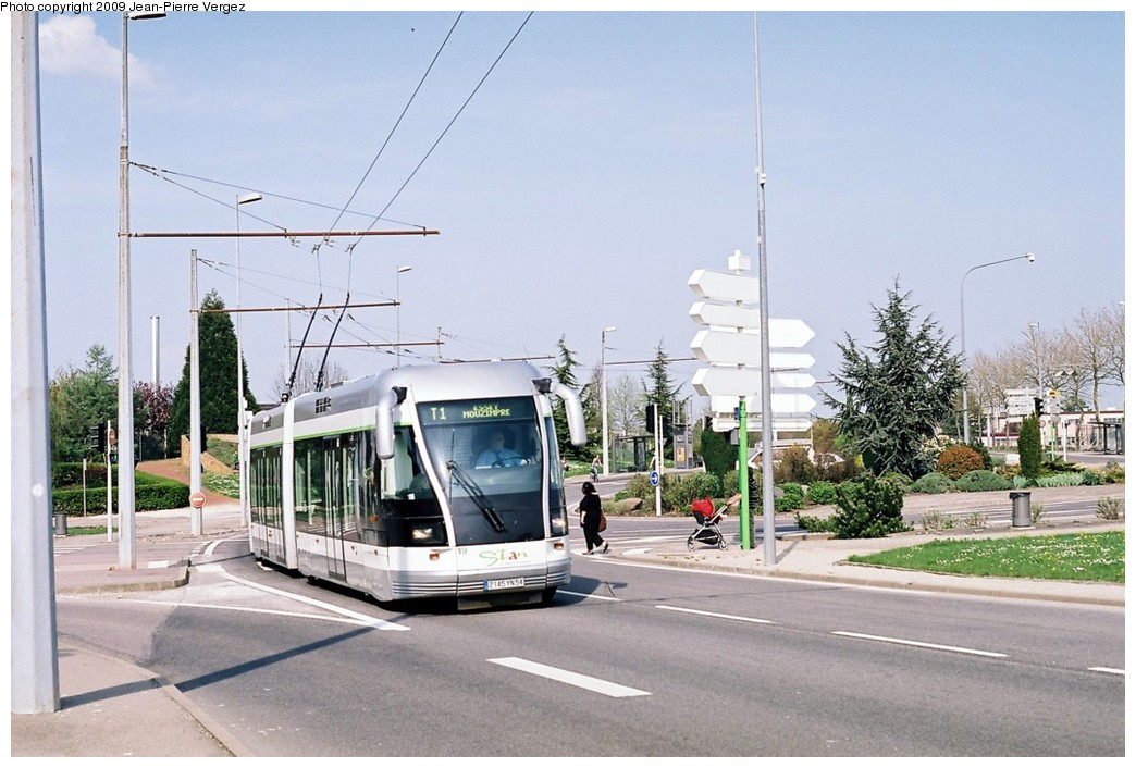 (186k, 1044x706)<br><b>Country:</b> France<br><b>City:</b> Nancy<br><b>System:</b> Société de Transports de l'Agglomération Nancienne<br><b>Location:</b> CHU Brabois, Vandoeuvre les Nancy <br><b>Route:</b> T1<br><b>Car:</b> Bombardier TVR (2000) 19 <br><b>Photo by:</b> Jean-Pierre Vergez<br><b>Date:</b> 4/15/2009<br><b>Viewed (this week/total):</b> 2 / 860