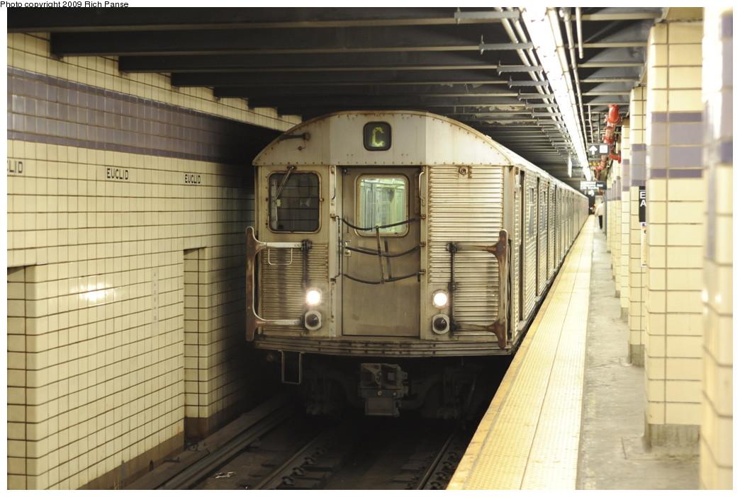 (180k, 1044x702)<br><b>Country:</b> United States<br><b>City:</b> New York<br><b>System:</b> New York City Transit<br><b>Line:</b> IND Fulton Street Line<br><b>Location:</b> Euclid Avenue <br><b>Route:</b> C<br><b>Car:</b> R-32 (Budd, 1964)  3425 <br><b>Photo by:</b> Richard Panse<br><b>Date:</b> 4/29/2009<br><b>Viewed (this week/total):</b> 0 / 1391