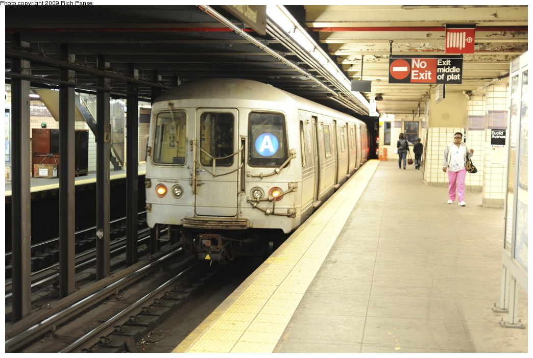 (188k, 1044x702)<br><b>Country:</b> United States<br><b>City:</b> New York<br><b>System:</b> New York City Transit<br><b>Line:</b> IND Fulton Street Line<br><b>Location:</b> Euclid Avenue <br><b>Route:</b> A<br><b>Car:</b> R-44 (St. Louis, 1971-73)  <br><b>Photo by:</b> Richard Panse<br><b>Date:</b> 4/29/2009<br><b>Viewed (this week/total):</b> 1 / 1601