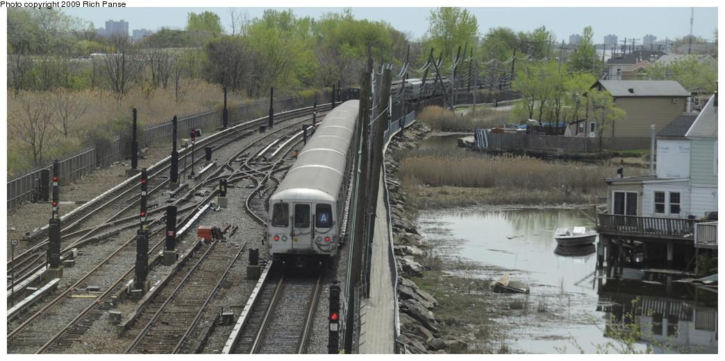 (183k, 1044x521)<br><b>Country:</b> United States<br><b>City:</b> New York<br><b>System:</b> New York City Transit<br><b>Line:</b> IND Rockaway<br><b>Location:</b> Howard Beach <br><b>Route:</b> A<br><b>Car:</b> R-44 (St. Louis, 1971-73)  <br><b>Photo by:</b> Richard Panse<br><b>Date:</b> 4/29/2009<br><b>Viewed (this week/total):</b> 0 / 2260