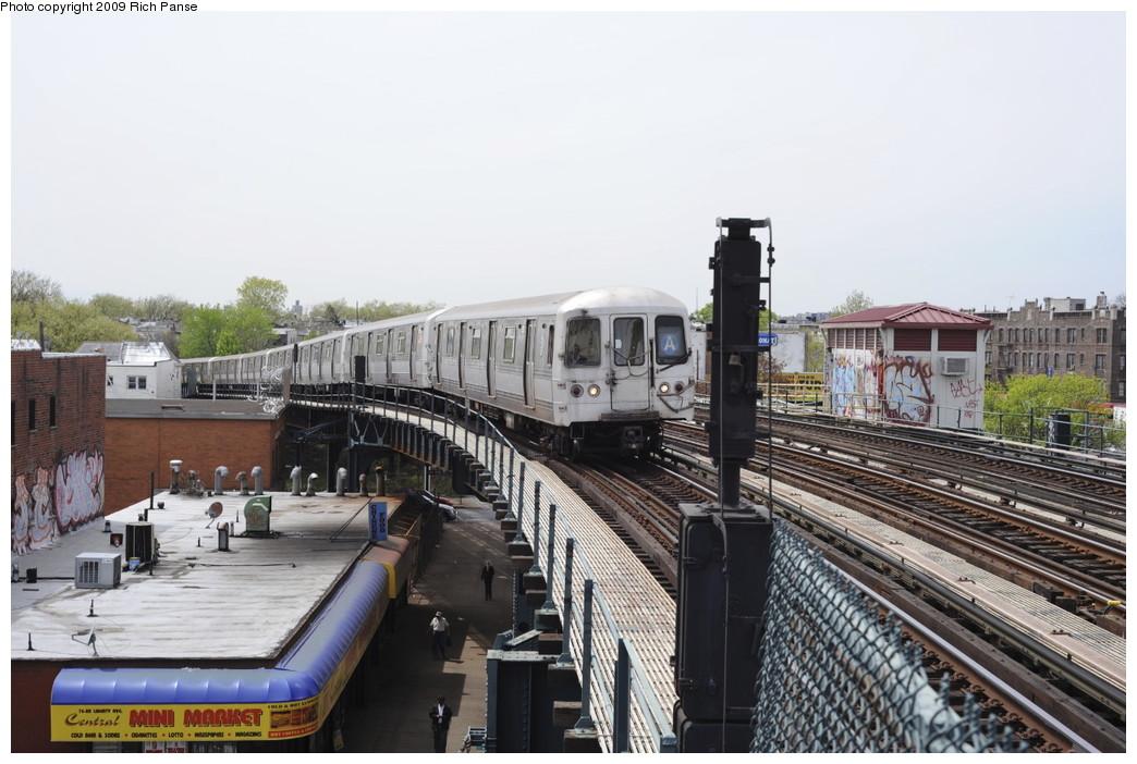 (188k, 1044x702)<br><b>Country:</b> United States<br><b>City:</b> New York<br><b>System:</b> New York City Transit<br><b>Line:</b> IND Fulton Street Line<br><b>Location:</b> 80th Street/Hudson Street <br><b>Route:</b> A<br><b>Car:</b> R-44 (St. Louis, 1971-73)  <br><b>Photo by:</b> Richard Panse<br><b>Date:</b> 4/29/2009<br><b>Viewed (this week/total):</b> 1 / 1316