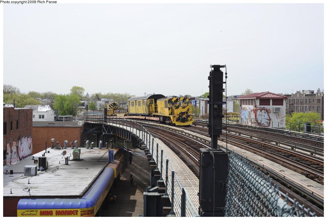 (189k, 1044x702)<br><b>Country:</b> United States<br><b>City:</b> New York<br><b>System:</b> New York City Transit<br><b>Line:</b> IND Fulton Street Line<br><b>Location:</b> 80th Street/Hudson Street <br><b>Route:</b> Work Service<br><b>Car:</b> R-77 Locomotive  901 <br><b>Photo by:</b> Richard Panse<br><b>Date:</b> 4/29/2009<br><b>Viewed (this week/total):</b> 1 / 1117