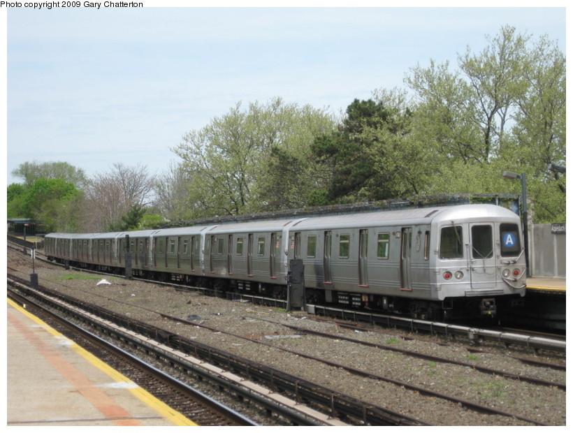 (152k, 820x620)<br><b>Country:</b> United States<br><b>City:</b> New York<br><b>System:</b> New York City Transit<br><b>Line:</b> IND Rockaway<br><b>Location:</b> Aqueduct/North Conduit Avenue <br><b>Route:</b> A<br><b>Car:</b> R-46 (Pullman-Standard, 1974-75) 6148 <br><b>Photo by:</b> Gary Chatterton<br><b>Date:</b> 4/29/2009<br><b>Viewed (this week/total):</b> 0 / 1096