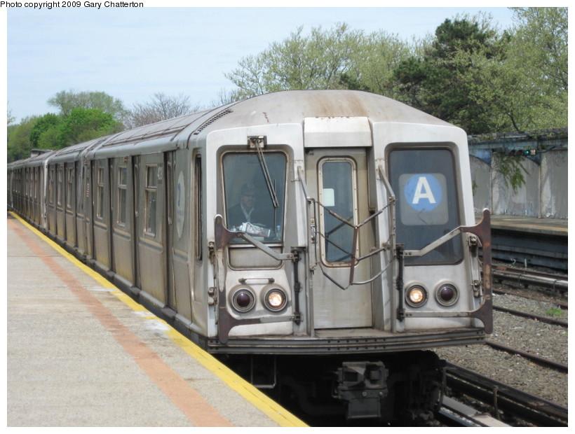 (142k, 820x620)<br><b>Country:</b> United States<br><b>City:</b> New York<br><b>System:</b> New York City Transit<br><b>Line:</b> IND Rockaway<br><b>Location:</b> Aqueduct/North Conduit Avenue <br><b>Route:</b> A<br><b>Car:</b> R-40 (St. Louis, 1968)  4219 <br><b>Photo by:</b> Gary Chatterton<br><b>Date:</b> 4/29/2009<br><b>Viewed (this week/total):</b> 1 / 1004