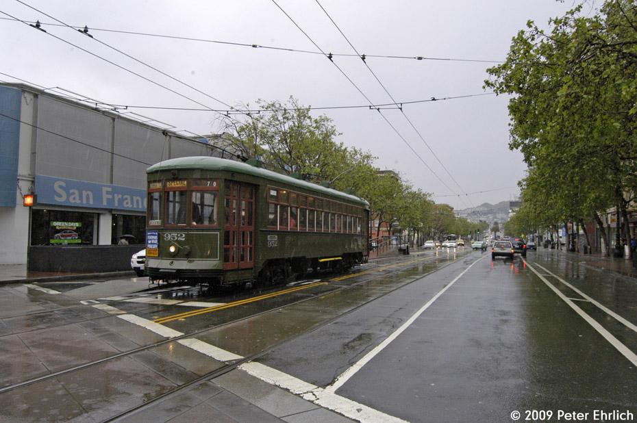 (216k, 930x618)<br><b>Country:</b> United States<br><b>City:</b> San Francisco/Bay Area, CA<br><b>System:</b> SF MUNI<br><b>Location:</b> Market/Van Ness <br><b>Car:</b> New Orleans Public Service (Perley A. Thomas Car Works, 1924) 952 <br><b>Photo by:</b> Peter Ehrlich<br><b>Date:</b> 4/7/2009<br><b>Notes:</b> Inbound.<br><b>Viewed (this week/total):</b> 0 / 425
