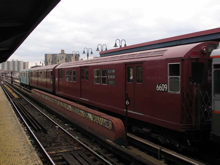 (82k, 853x640)<br><b>Country:</b> United States<br><b>City:</b> New York<br><b>System:</b> New York City Transit<br><b>Line:</b> BMT Brighton Line<br><b>Location:</b> Brighton Beach <br><b>Route:</b> Fan Trip<br><b>Car:</b> R-17 (St. Louis, 1955-56) 6609 <br><b>Photo by:</b> Michael Pompili<br><b>Date:</b> 10/23/2004<br><b>Viewed (this week/total):</b> 0 / 929