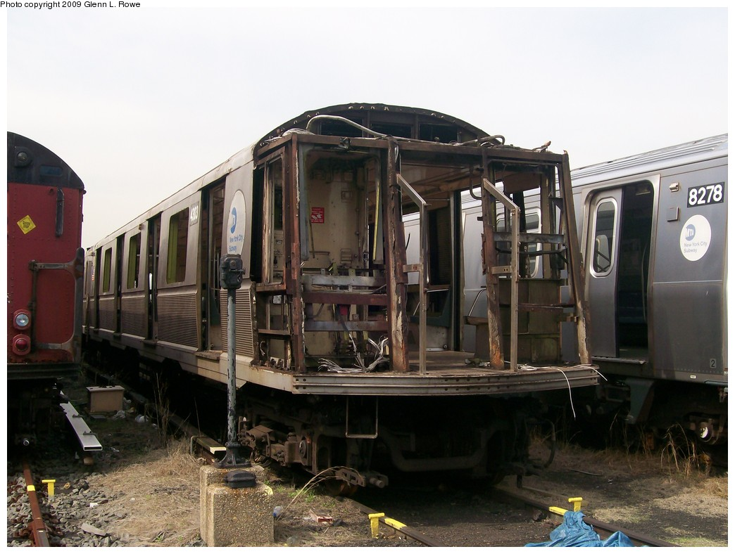 (199k, 1044x788)<br><b>Country:</b> United States<br><b>City:</b> New York<br><b>System:</b> New York City Transit<br><b>Location:</b> 207th Street Yard<br><b>Car:</b> R-40 (St. Louis, 1968)  4303 <br><b>Photo by:</b> Glenn L. Rowe<br><b>Date:</b> 5/8/2009<br><b>Notes:</b> Scrap<br><b>Viewed (this week/total):</b> 0 / 1327