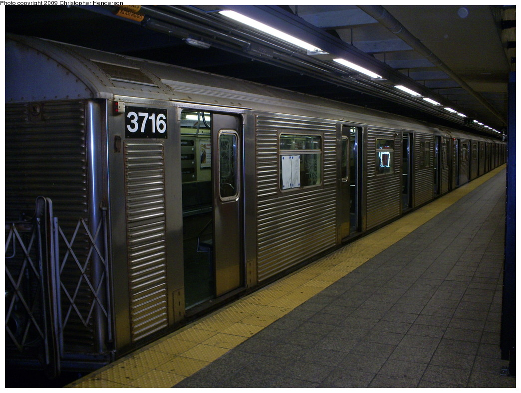 (262k, 1044x788)<br><b>Country:</b> United States<br><b>City:</b> New York<br><b>System:</b> New York City Transit<br><b>Line:</b> IND 8th Avenue Line<br><b>Location:</b> 207th Street <br><b>Route:</b> A<br><b>Car:</b> R-32 (Budd, 1964)  3716 <br><b>Photo by:</b> Christopher Henderson<br><b>Date:</b> 5/8/2009<br><b>Viewed (this week/total):</b> 1 / 920