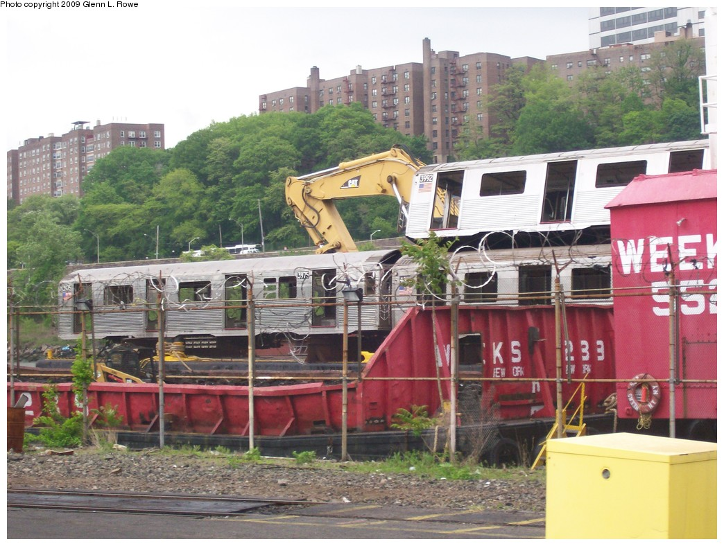 (237k, 1044x788)<br><b>Country:</b> United States<br><b>City:</b> New York<br><b>System:</b> New York City Transit<br><b>Location:</b> 207th Street Yard<br><b>Car:</b> R-38 (St. Louis, 1966-1967)  3992 <br><b>Photo by:</b> Glenn L. Rowe<br><b>Date:</b> 5/14/2009<br><b>Notes:</b> With R40 4302, R38 3975<br><b>Viewed (this week/total):</b> 1 / 1130