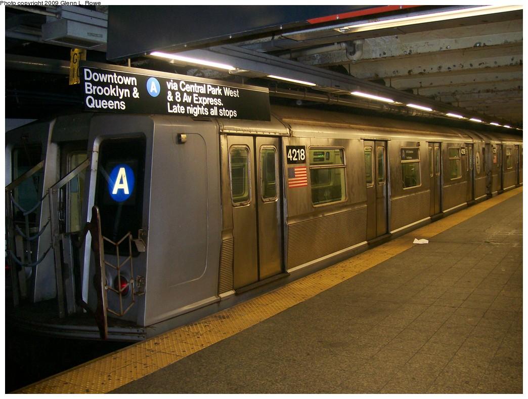 (216k, 1044x788)<br><b>Country:</b> United States<br><b>City:</b> New York<br><b>System:</b> New York City Transit<br><b>Line:</b> IND 8th Avenue Line<br><b>Location:</b> 207th Street <br><b>Route:</b> A<br><b>Car:</b> R-40 (St. Louis, 1968)  4218 <br><b>Photo by:</b> Glenn L. Rowe<br><b>Date:</b> 5/14/2009<br><b>Viewed (this week/total):</b> 1 / 972